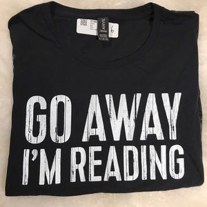 Black Graphic T-shirt GO AWAY I'M READING
